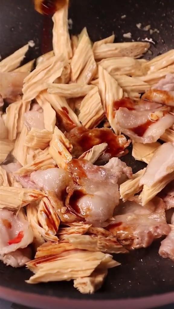 腐竹炒肉的家常做法