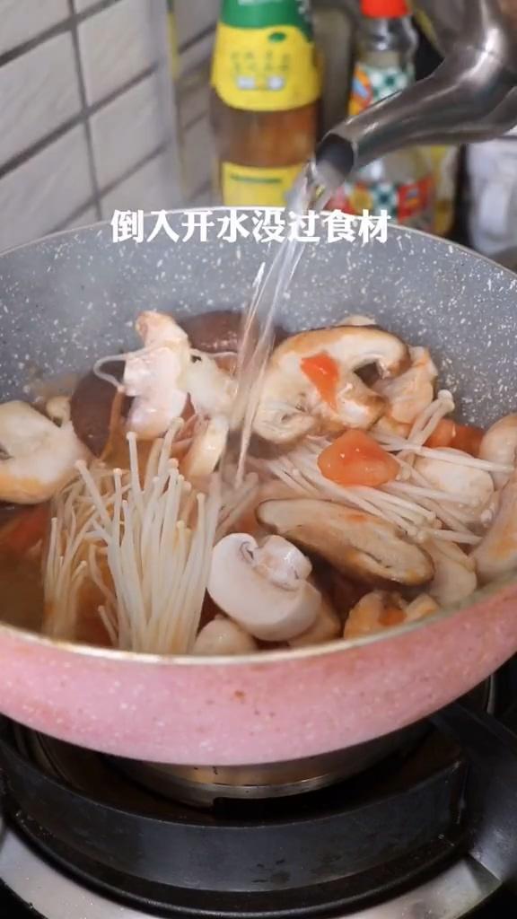 西红柿酸汤面的家常做法