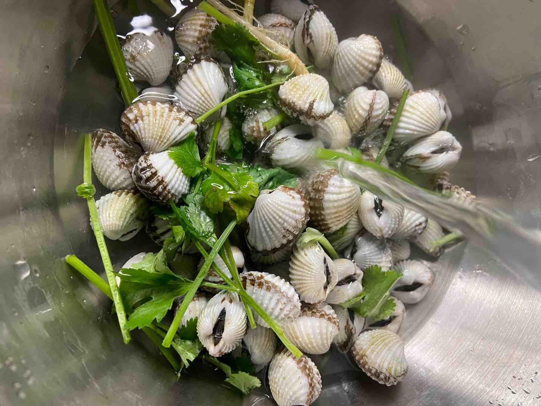 年夜饭必出现潮汕毒药之腌血蛤的步骤