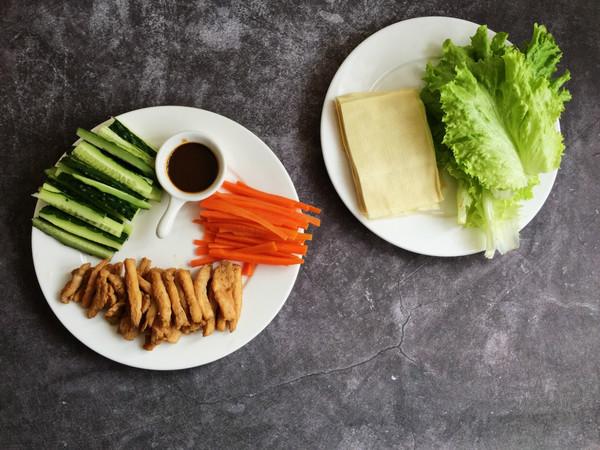 豆皮生菜鸡肉卷怎么炒