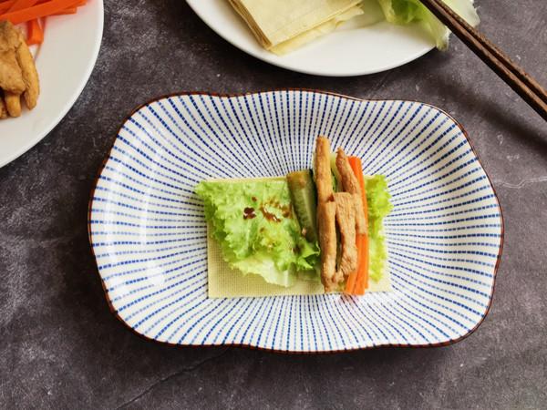 豆皮生菜鸡肉卷怎么煮