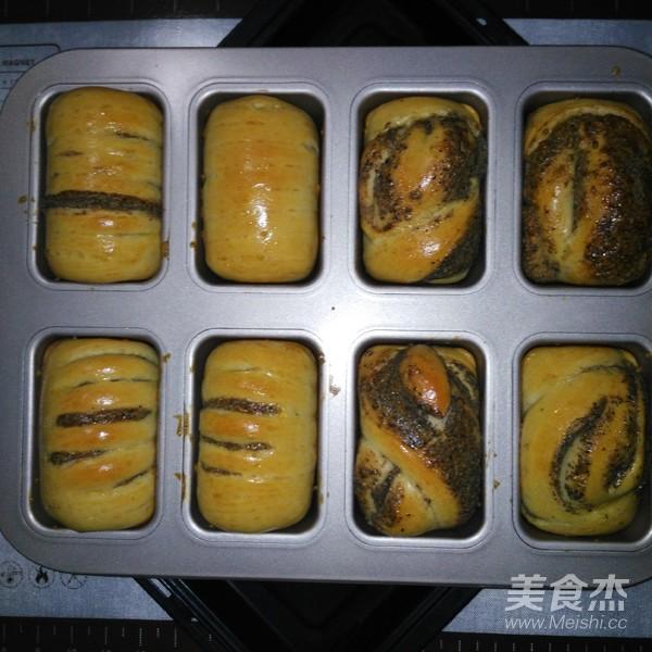 芝麻酱面包的制作