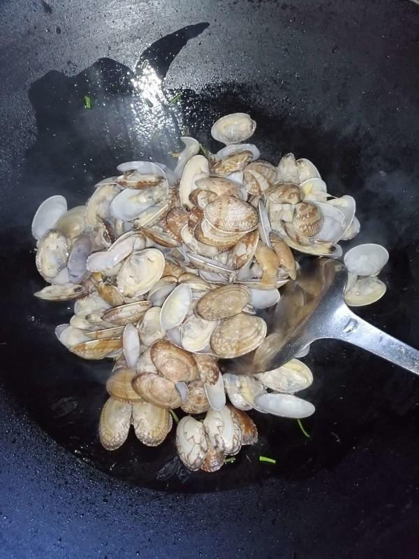 爆炒花蛤的简单做法