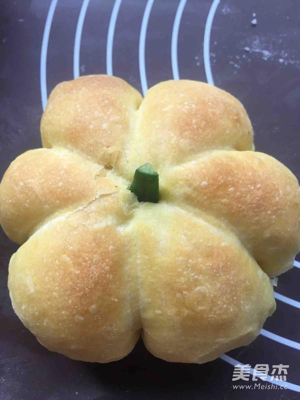柔软可爱的超萌南瓜面包怎样炖