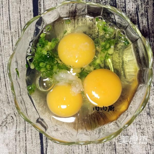 正宗粤菜之韭黄虾仁炒滑蛋肉肉厨的简单做法