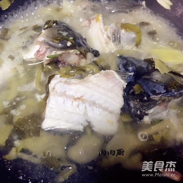 详解如何做一道正宗的重庆酸菜鱼之(鲜,香,辣,酸)肉肉厨的制作方法