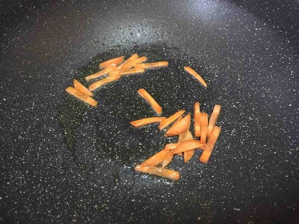 咖喱鱼丸浓汤面#中卓牛骨汤面#的做法图解