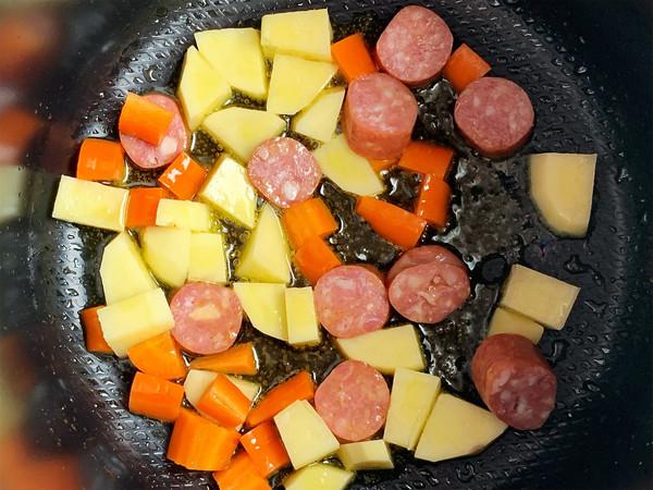 咖喱牛肉肠辛拉面的做法图解