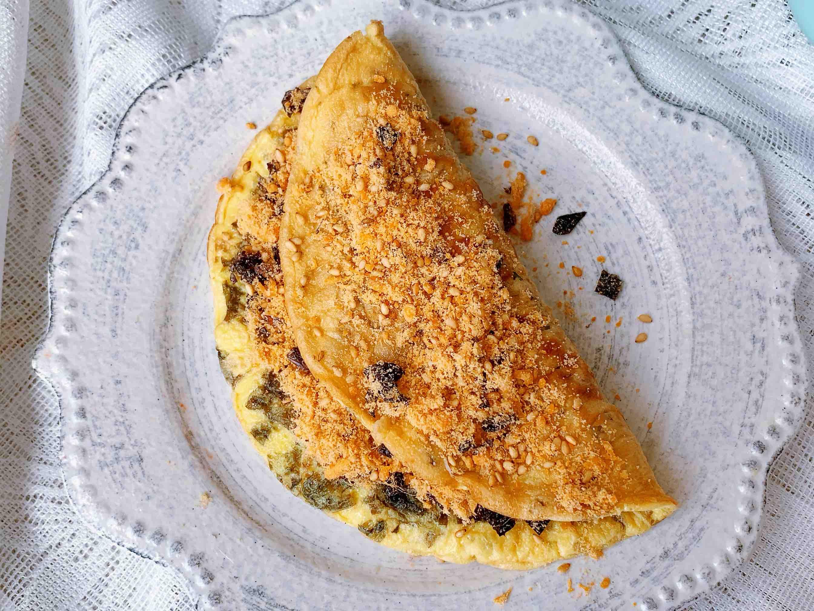 香嫩无比的肉松海苔蛋饼怎么做