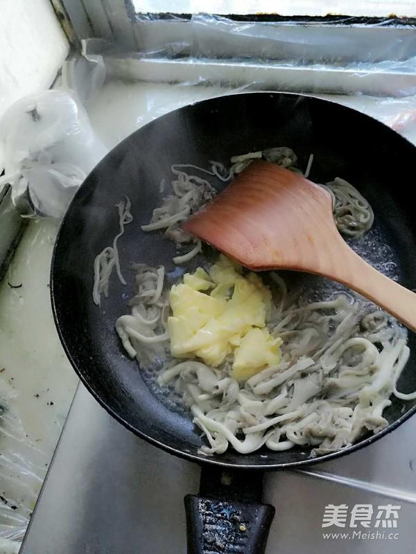 蘑菇鸡蛋汤怎么炒