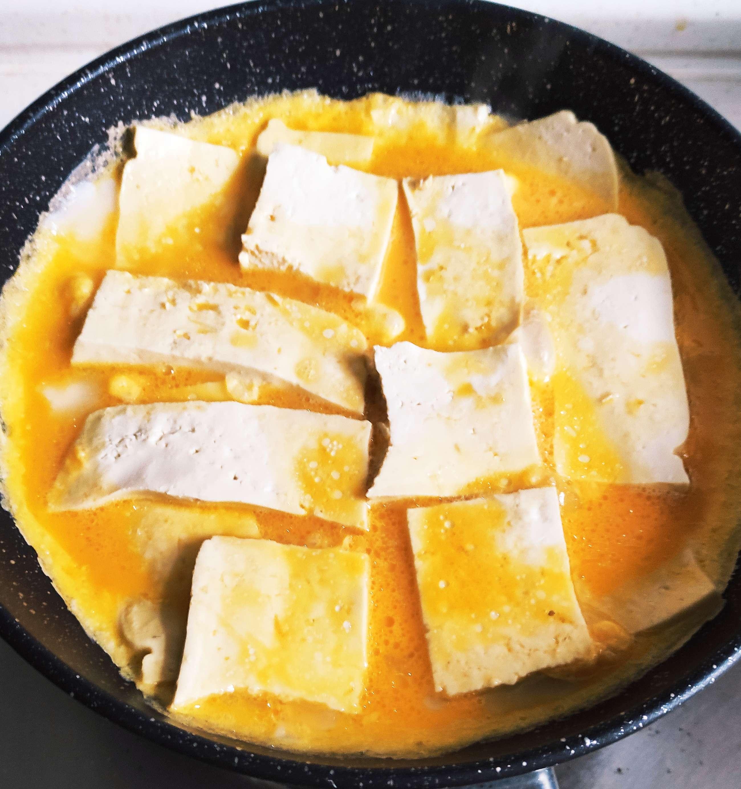 豆腐新吃法,豆腐和鸭蛋搭配一起,你吃过吗?怎么炖