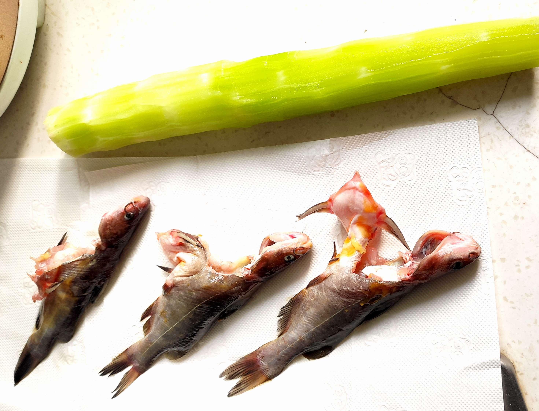 用莴苣代替豆腐炖黄骨鱼居然更好吃的做法图解