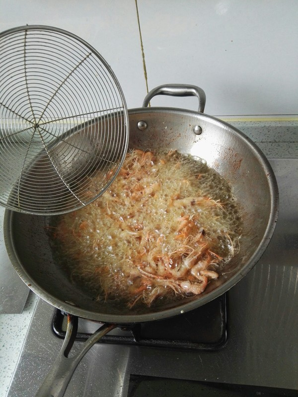 油爆小河虾的家常做法