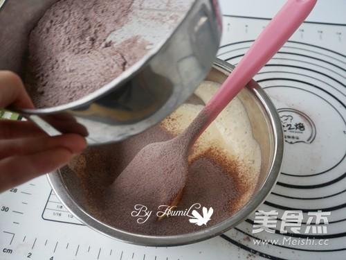 花成蜜就——柠檬慕斯巧克力甜甜圈的简单做法