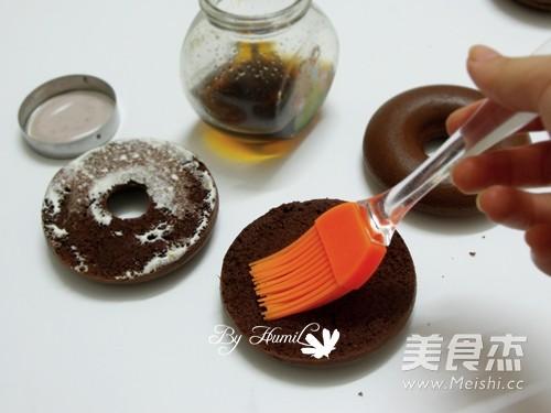 花成蜜就——柠檬慕斯巧克力甜甜圈怎样做