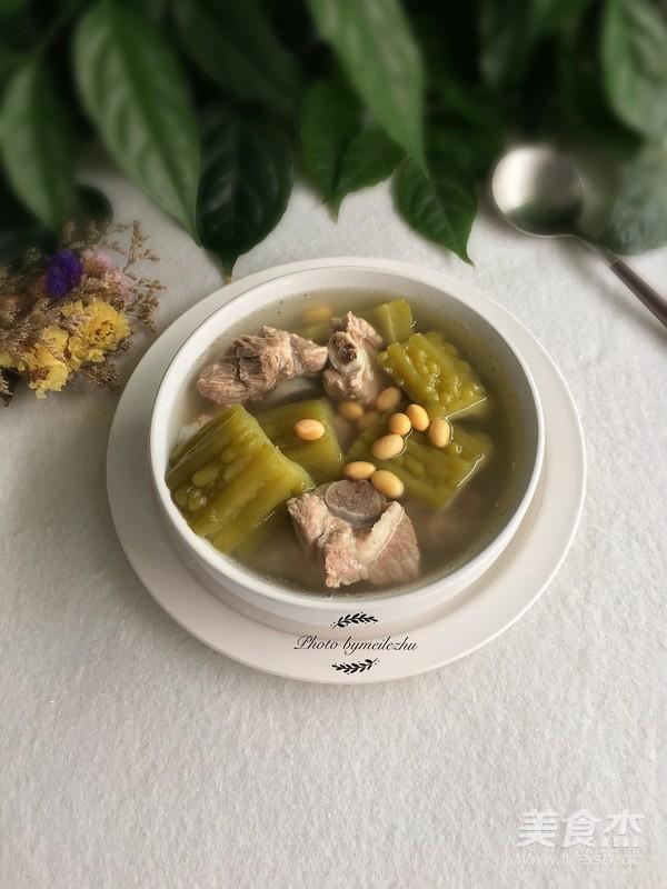 苦瓜黄豆排骨汤成品图