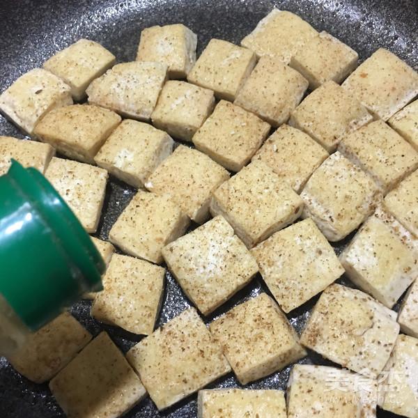 孜然葱花豆腐的简单做法