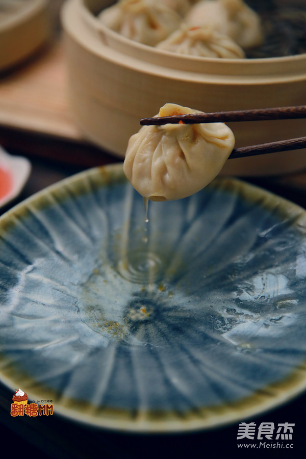 灌汤蟹黄小笼包成品图