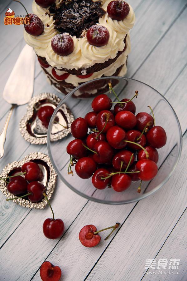黑森林裸蛋糕成品图