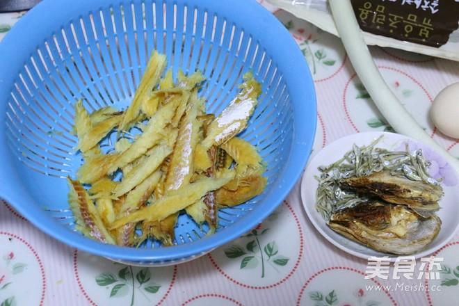 黄豆芽明太鱼汤的家常做法