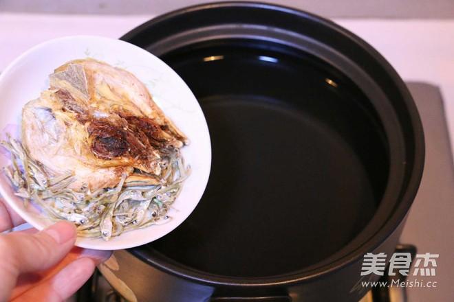 黄豆芽明太鱼汤的简单做法