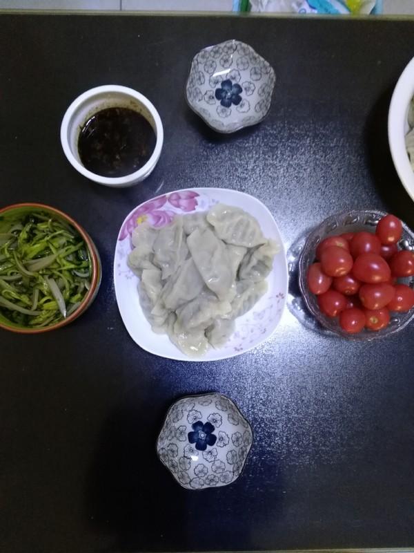 韭菜鸡蛋粉条饺子成品图