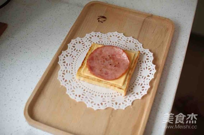 早餐三明治怎么吃