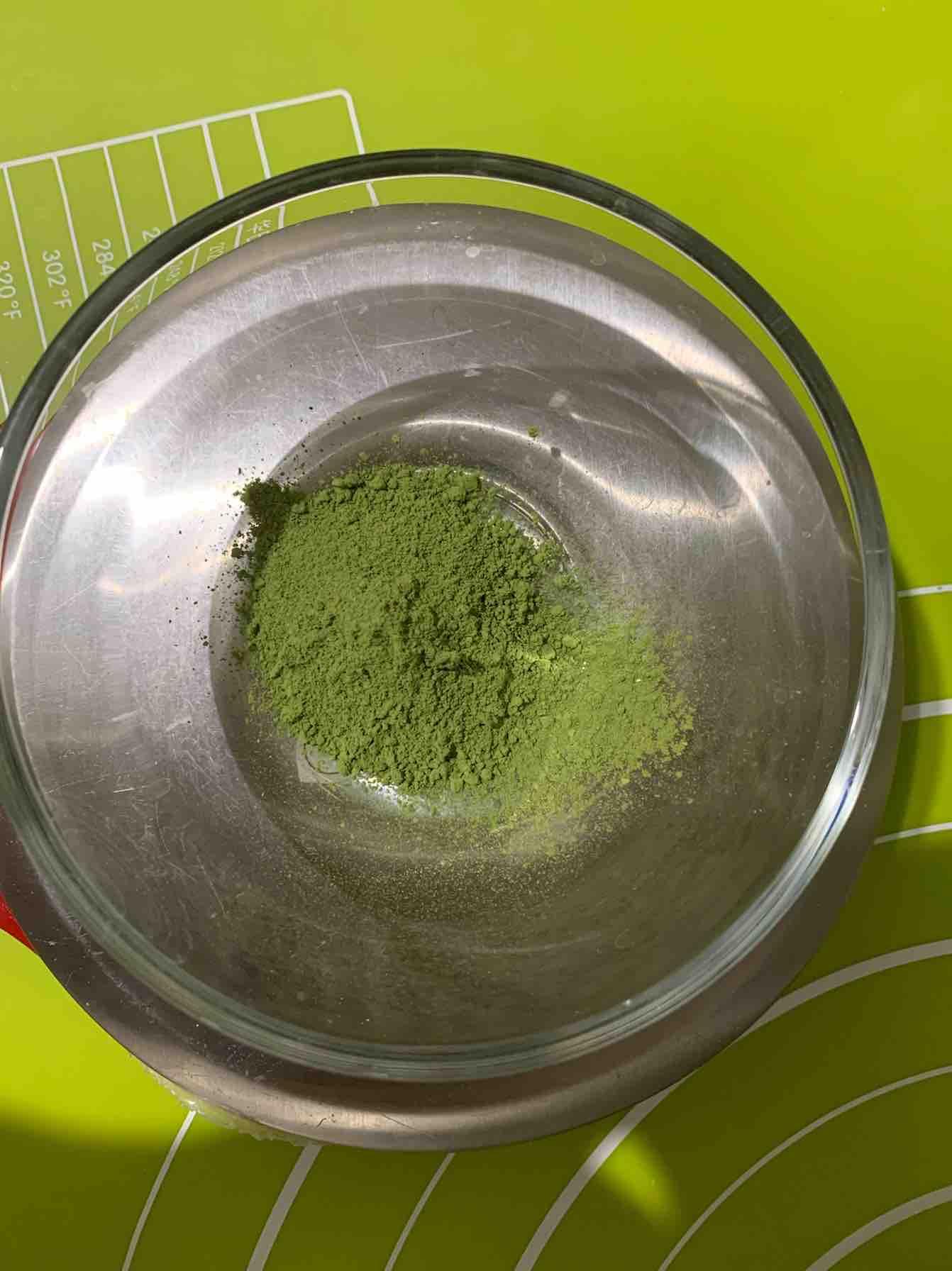 弹性十足,怎么卷都不开裂的抹茶蛋糕卷(无蛋黄消耗蛋白版)的步骤
