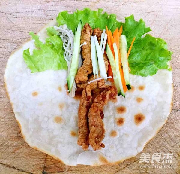 中式墨西哥时蔬鸡柳卷的制作