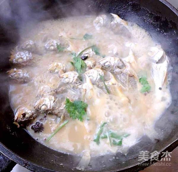 家焖小黄花鱼怎么吃