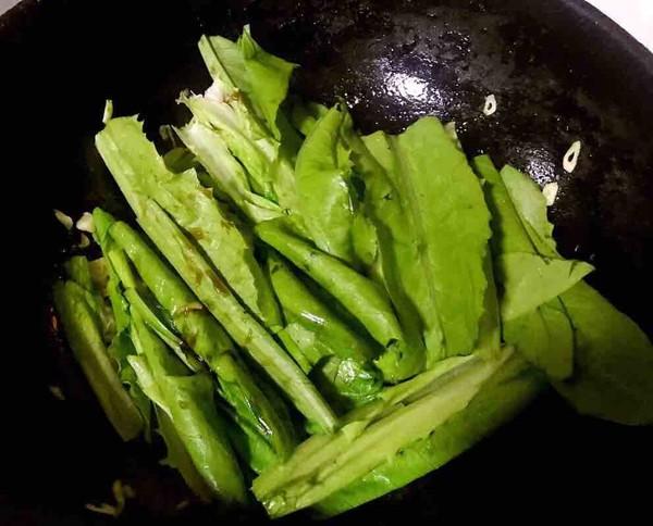 油麦菜炒虾怎么吃