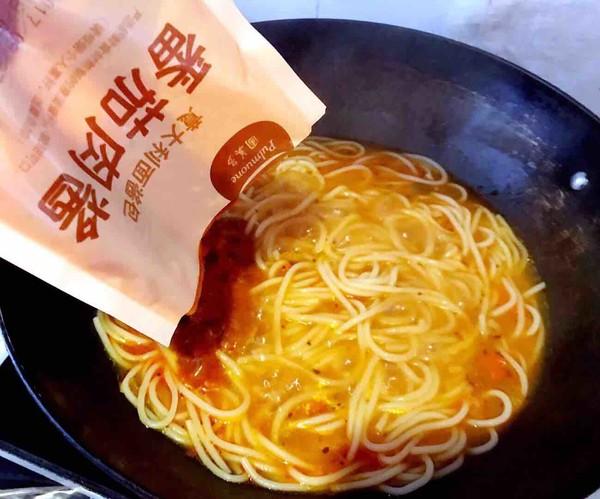 金蛋番茄肉酱意面的家常做法
