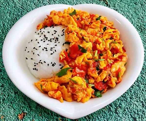 西红柿鸡蛋盖饭怎么煸