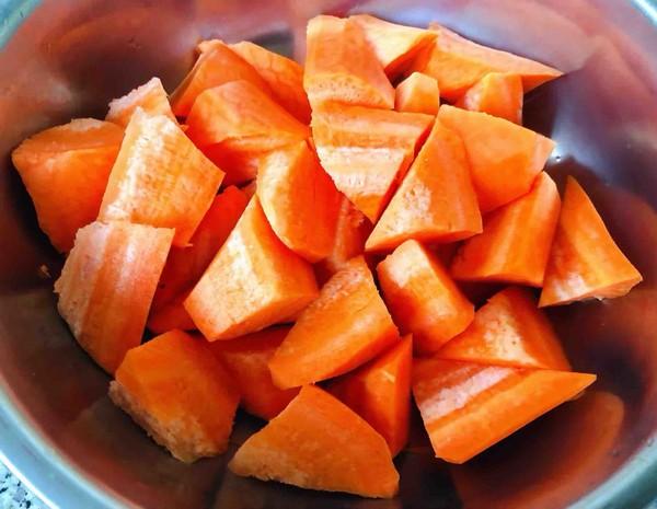 猪蹄莲藕玉米胡萝卜汤怎么吃