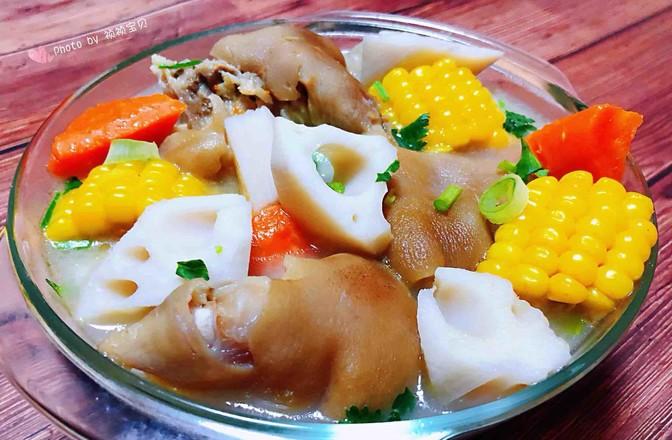 猪蹄莲藕玉米胡萝卜汤怎样炒