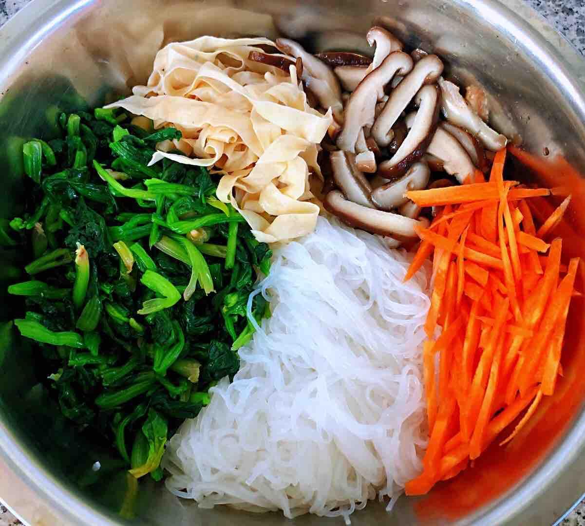 凉拌菠菜粉丝豆皮怎么吃