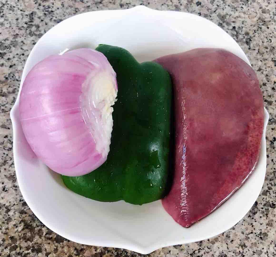 青椒洋葱炒猪肝的做法大全