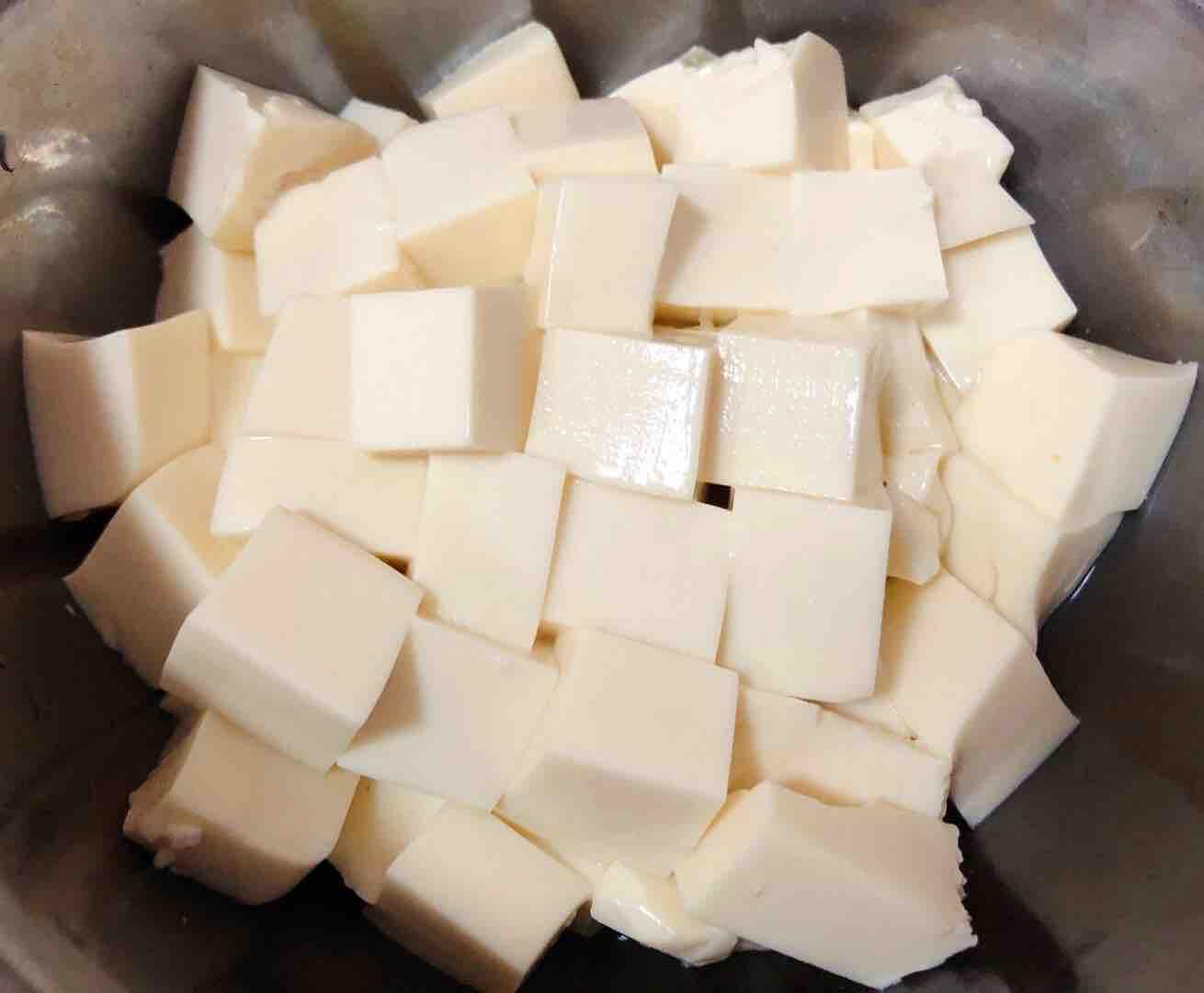 猪肉白菜海胆丸豆腐粉丝汤的家常做法