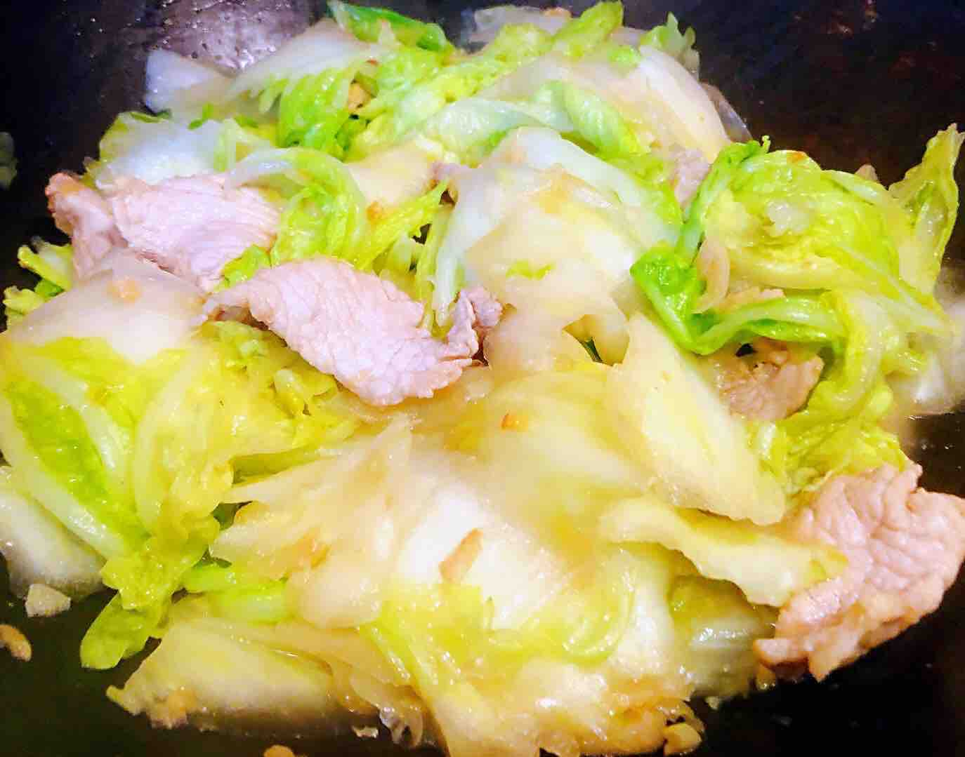 猪肉白菜海胆丸豆腐粉丝汤怎么炒