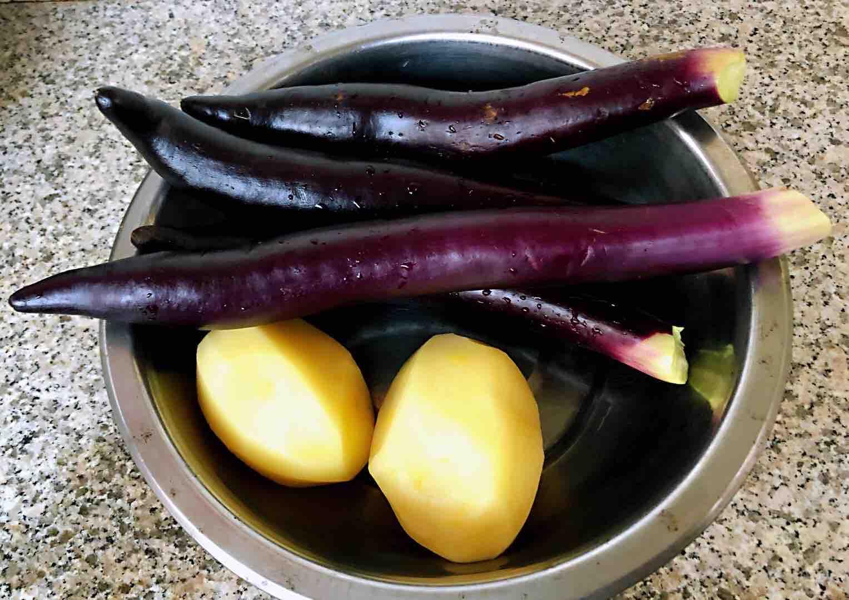 土豆茄子炖五花肉的做法大全