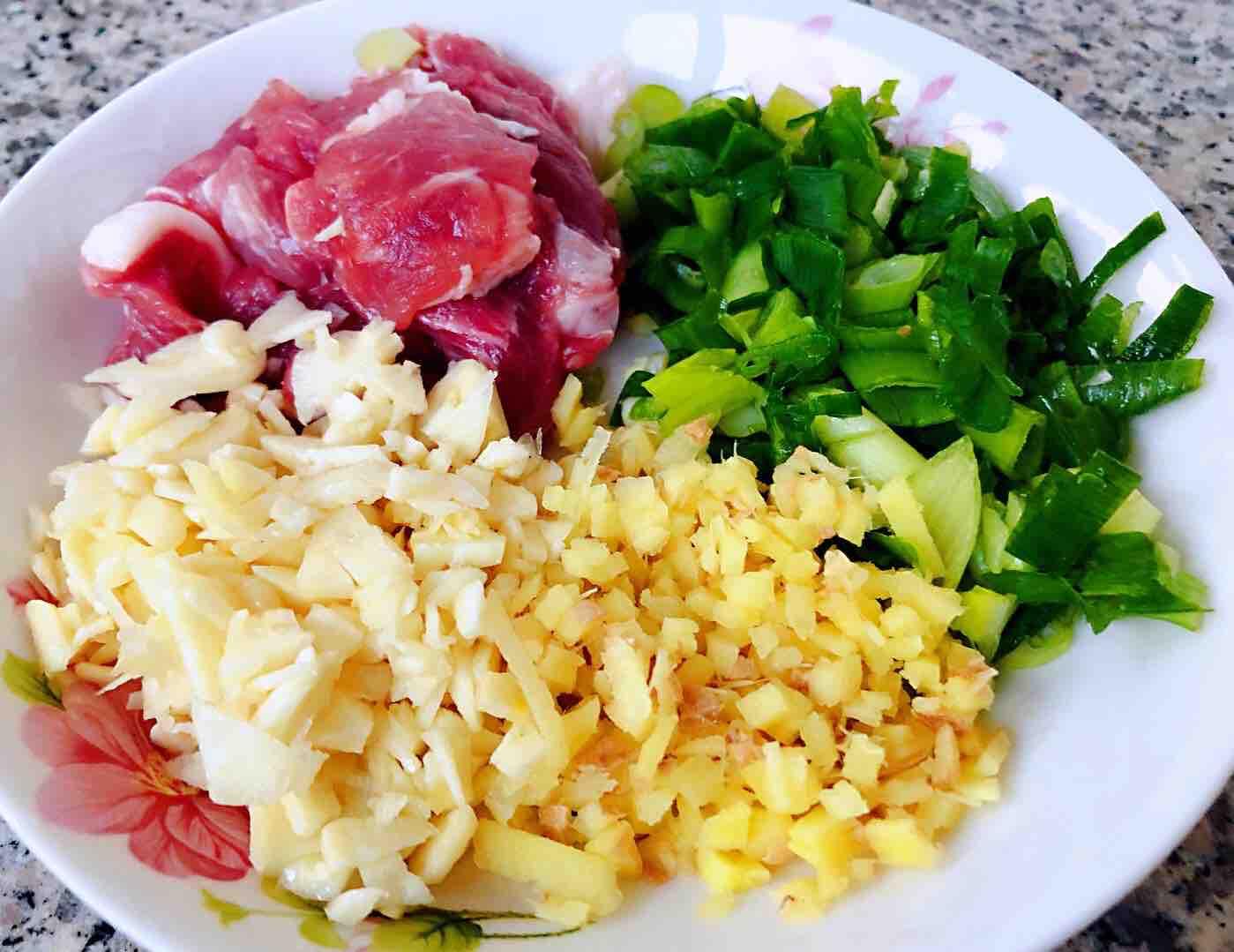 土豆茄子炖五花肉的做法图解