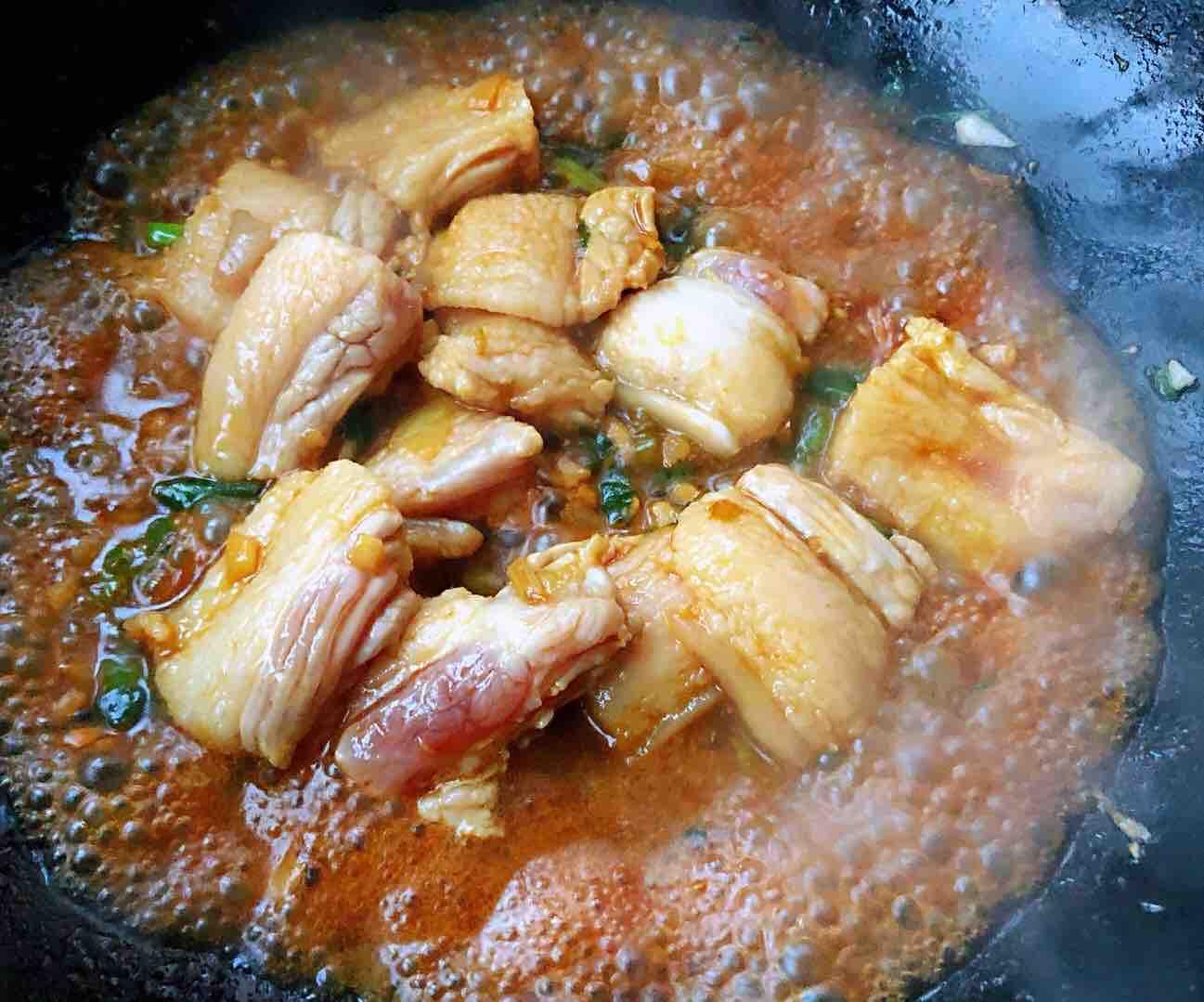 土豆茄子炖五花肉怎么做