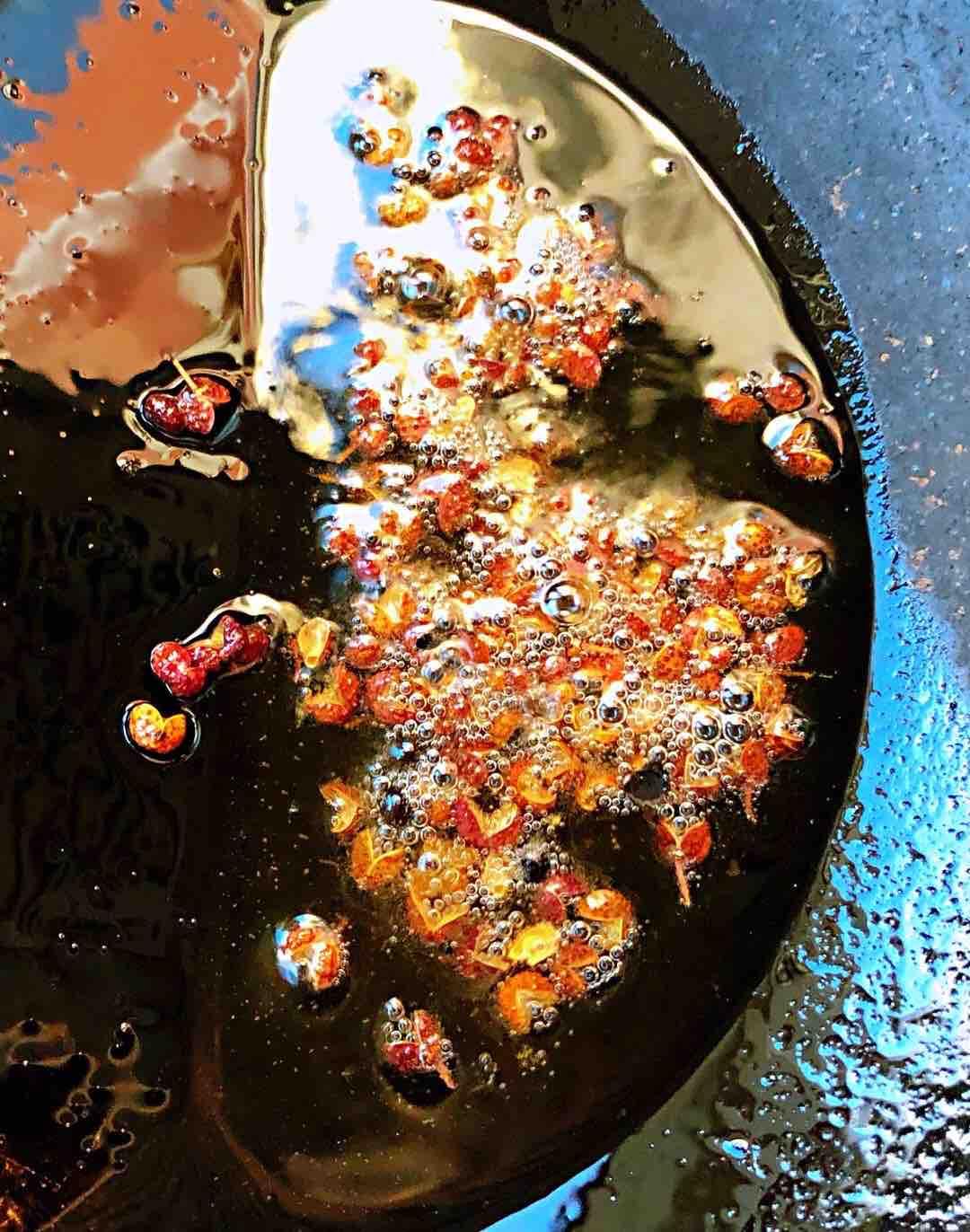 芹菜胡萝卜木耳拌腐竹怎么煮