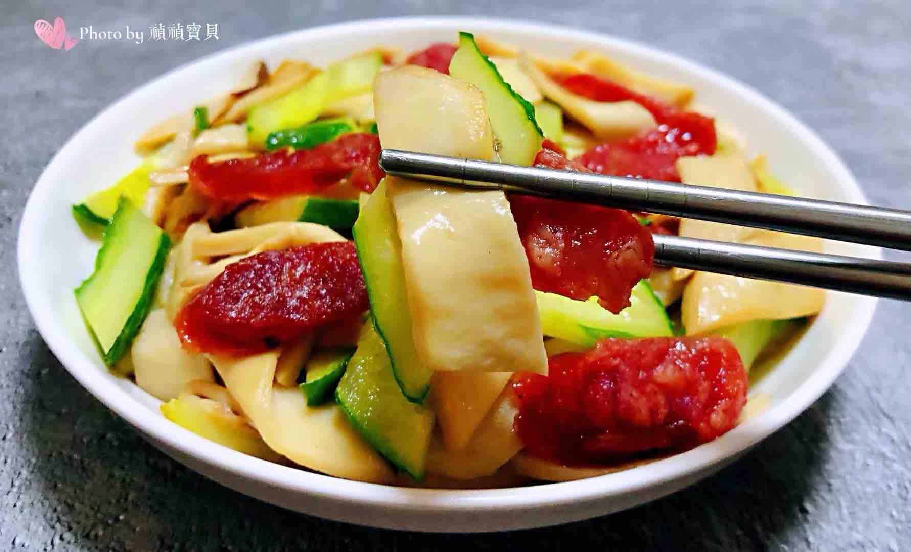 腊肠黄瓜炒杏鲍菇怎样做