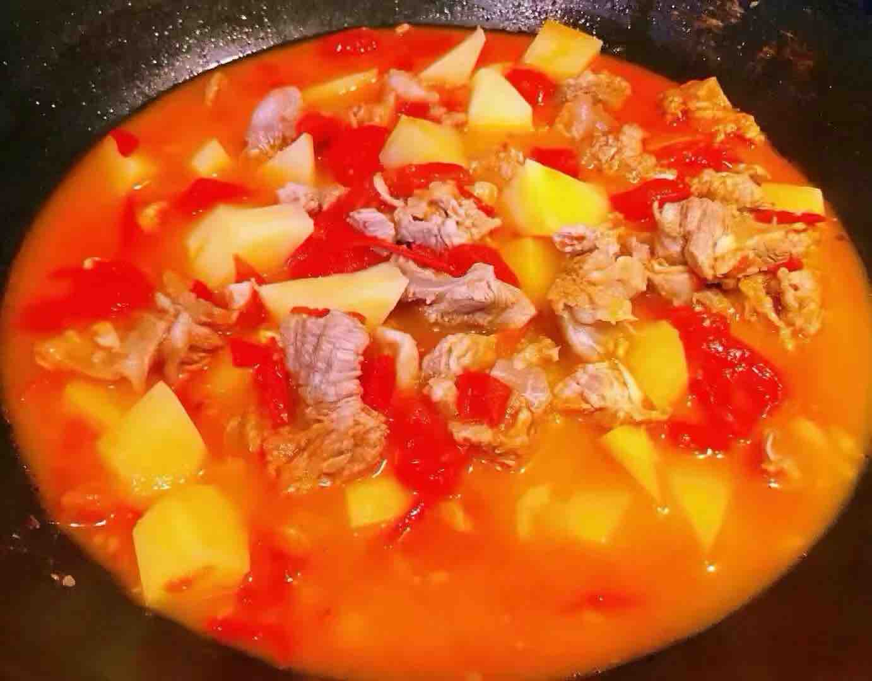 西红柿土豆青菜炖牛肉怎么煸