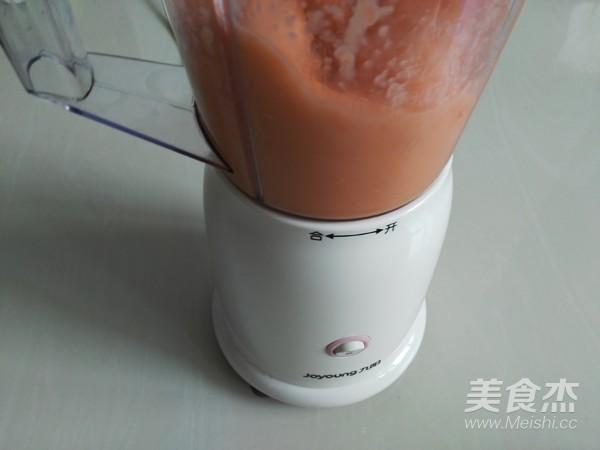 鲜榨果汁胡萝卜苹果汁的简单做法