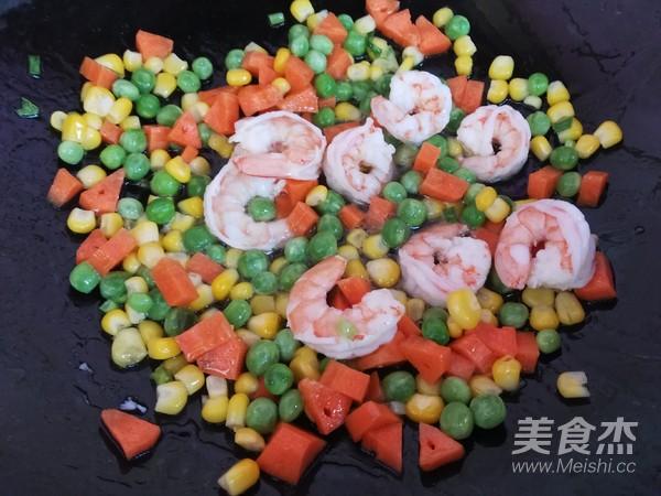 虾仁五彩炒饭怎么煮
