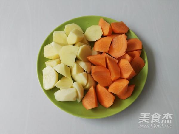 土豆胡萝卜焖鸡块的做法图解