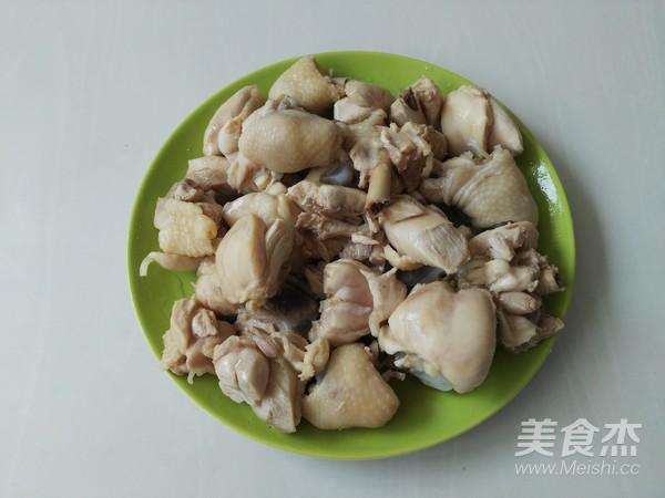 土豆胡萝卜焖鸡块怎么吃