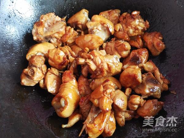 土豆胡萝卜焖鸡块怎么煮